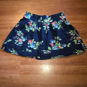 Aeropostale floral skirt with pockets!